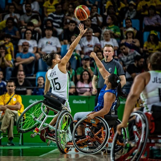 Torcida enche Arena Carioca 1 no jogo de basquete entre Brasil e Argentina na Paralímpiada. | Marcio Rodrigues/MPIX/CPB