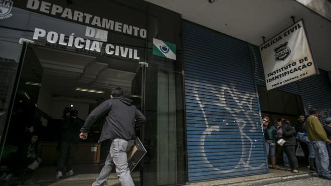 Sindicato alerta que confecção de identidades pode ser impactada | Marcelo Andrade/Gazeta do Povo