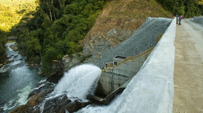 Pequena central hidrelétrica em Campina Grande do Sul, perto da divisa com o estado de São Paulo | Daniel Castellano/Gazeta doPovo/Arquivo