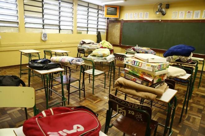 Imagem de colégio onde alunos decidiram sair por conta própria após a morte de estudante | Henry Milleo/Gazeta do Povo