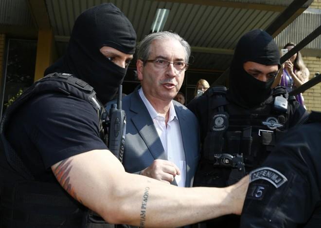 Cunha foi levado ao IMLpara fazer exame de corpo delito | Aniele Nascimento/Gazeta do Povo