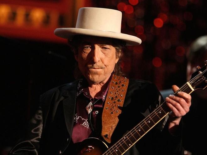 Bob Dylan: livros esgotados no Brasil | KEVIN WINTER/AFP