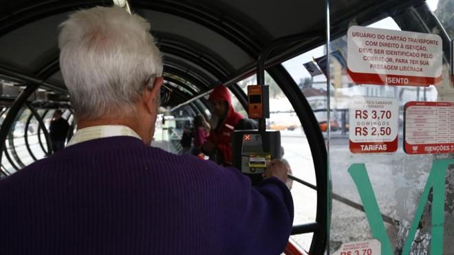 O sistema da Metrocard é modelo para o transporte coletivo para várias cidades.   Felipe Rosa / TRIBUNA DO PARANA