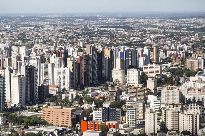 Vista aérea de Curitiba: Almanaque Curitibano apresenta as diferenças entre os bairros da cidade. | Henry Milleo/Gazeta do Povo