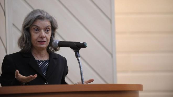 Segundo a ministra Cármen Lúcia, o INSS não vai tomar nenhuma atitude sem o conhecimento amplo da decisão do tribunal | Feranando Frazão/Agência Brasil