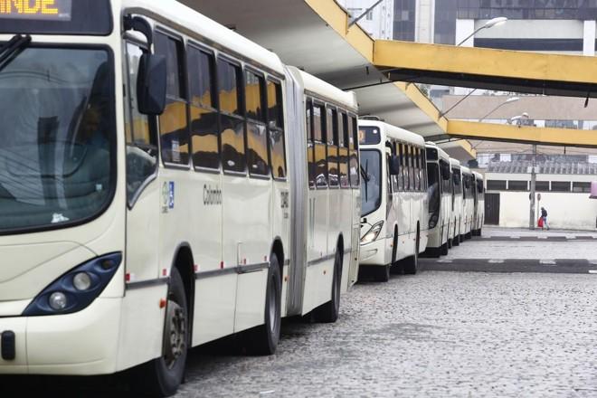 A integração Metrocard permite que os passageiros circulem por qualquer um dos municípios do sistema com facilidade e eficiência. | Lineu Filho/Lineu filho /Tribuna do Parana