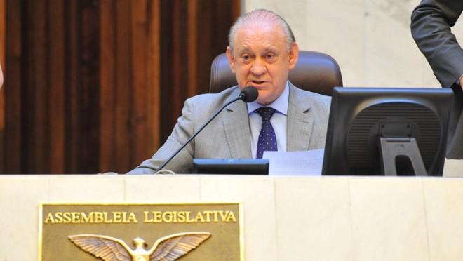 Ademar Traiano, presidente da Assembleia, retomou a sessão após a derrubada da liminar | Pedro de Oliveira/Alep