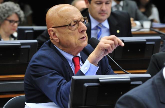 Esperidião Amin (PP-SC) propõe que apenas crimes de políticos cometidos nos últimos seis meses sejam investigados. | Luis Macedo/Câmara dos Deputados