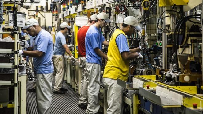 Faltas por acidente de trabalho custaram  R$ 224 milhões  às indústrias paranaenses em 2014   Brunno Covello/Gazeta do Povo