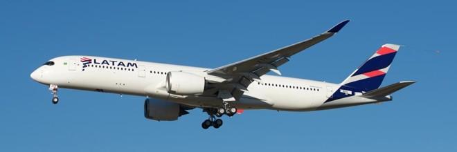 Um Airbus A350, já na pintura da Latam   BriYYZ/Flickr