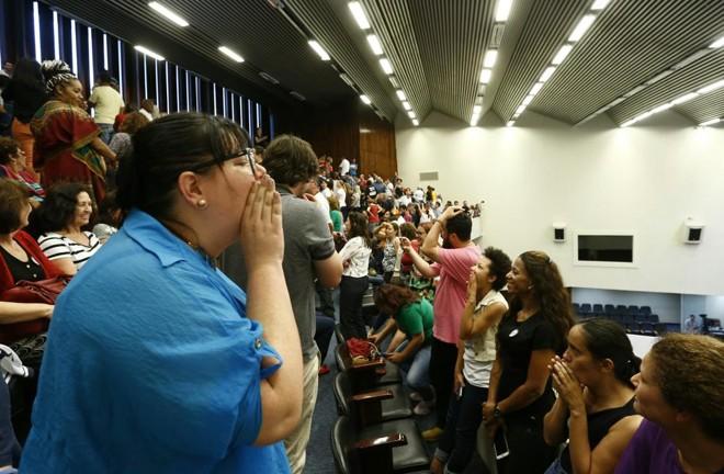 Servidores fazem manifestação no plenário da Assembleia Legislativa | Hugo Harada/Gazeta do Povo