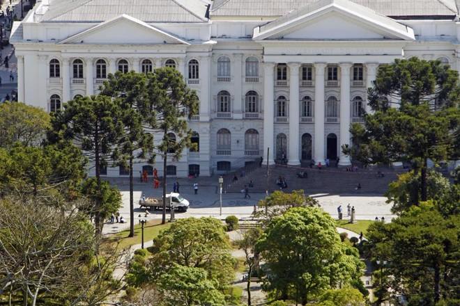 O MEC também reiterou que não vai reduzir o orçamento para o ensino superior | Antônio More/Gazeta do Povo