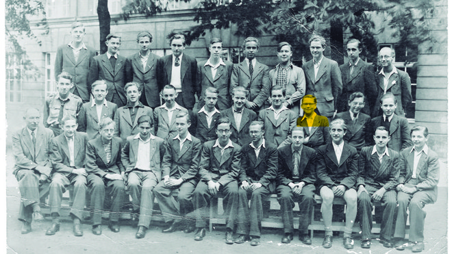 Horst (no destaque, em amarelo), nos tempos de colégio, em Berlim, em 1940 | /Arquivo Pessoal