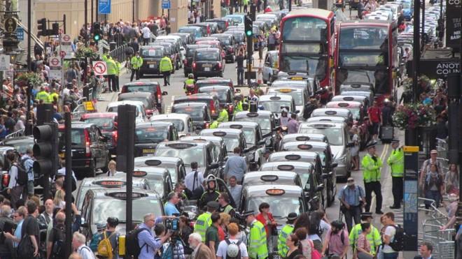 Em Londres, taxistas protestam contra o Uber   Jerry Godwin/Creative Commons