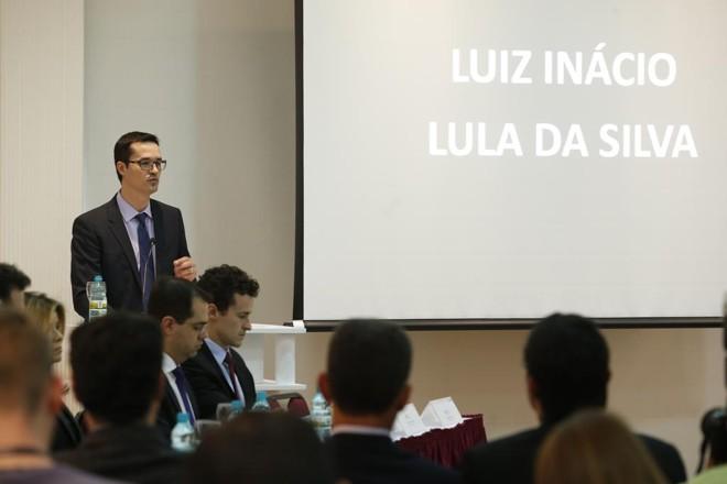 Deltan Dallagnol apresenta a denúncia contra o ex-presidente | Hugo Harada/Gazeta do Povo/Arquivo