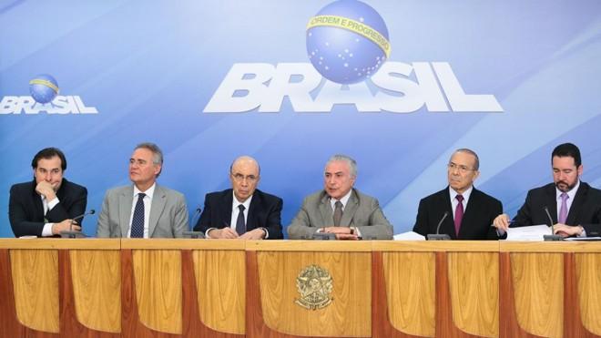 O uso do FGTS para pagar dívidas não foi anunciado, mas continua em discussão, segundo o governo.   Marcos Correa/PR