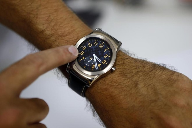 Proposta do governo prevê limite de 220 horas mensais de trabalho. | Albari Rosa/Gazeta do Povo