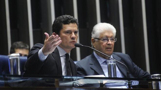 Moro (à esq.)e Requião durante audiência pública no Senado sobre o projeto da Lei de Abuso de Autoridade | Marcos Oliveira/Agência Senado