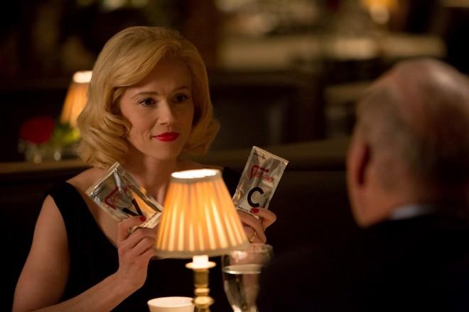 Joan Smith (Linda Cardellini), a segunda esposa de Ray.   Daniel McFadden/The Weinstein Company