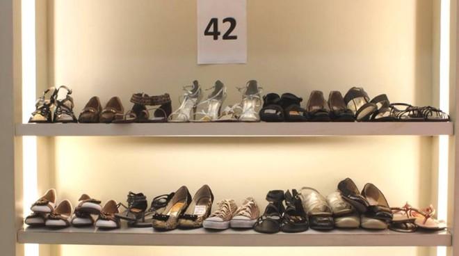 ba9b8deeb Loja Pé de Anjo vende sapatos para pessoas com pés grandes |  Reprodução/Facebook/