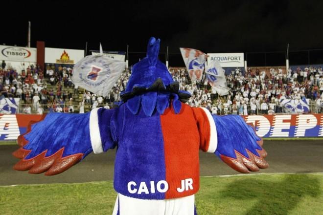 Gralha com o nome de Caio Júnior nas costas. | Antônio More/Gazeta do Povo