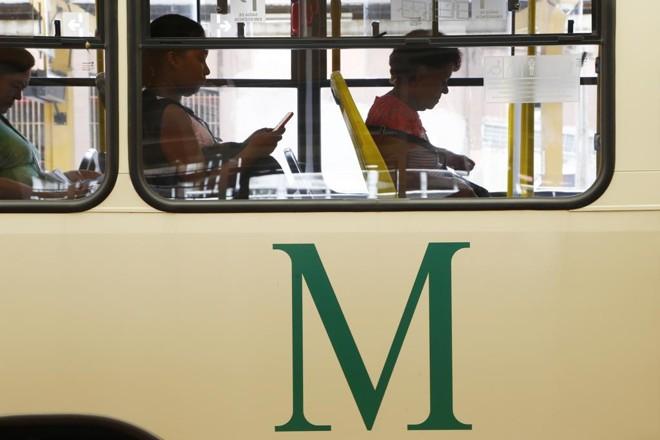 Reintegração do transporte público de Curitiba, que deve ocorrer até julho, vai manter tarifas diferentes para cada cidade. | Henry Milleo/Gazeta do Povo