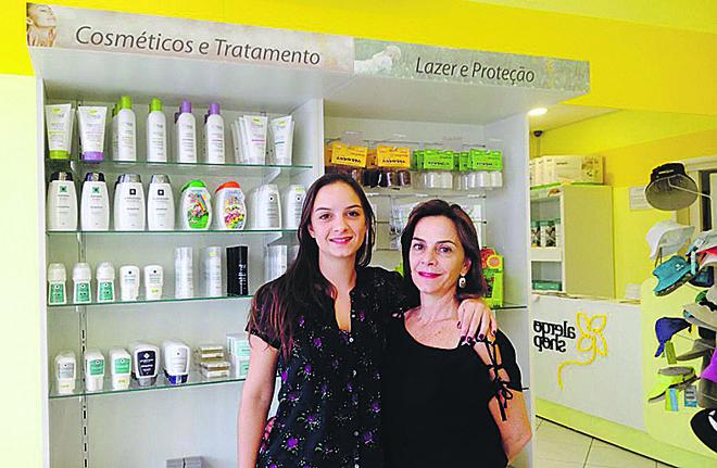 Na foto, Sarah Lazaretti (à dir) e a filha, Marina, a grande inspiração da Alergoshop. | /