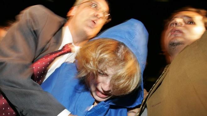 Suzane Richtofen presa após o assassinato dos pais em 2008 | Paulo Pinto/EstadãoConteúdo