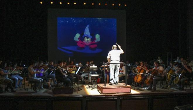 Orquestra acompanha o clássico da Disney no Guaíra | Daniel Castellano/Gazeta do Povo