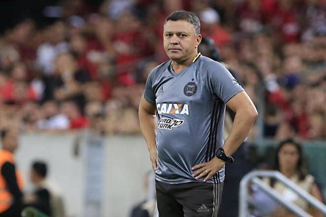 Pachequinho será mantido no comando do Alviverde até que o clube acerte com um novo treinador. | Albari Rosa/Gazeta do Povo