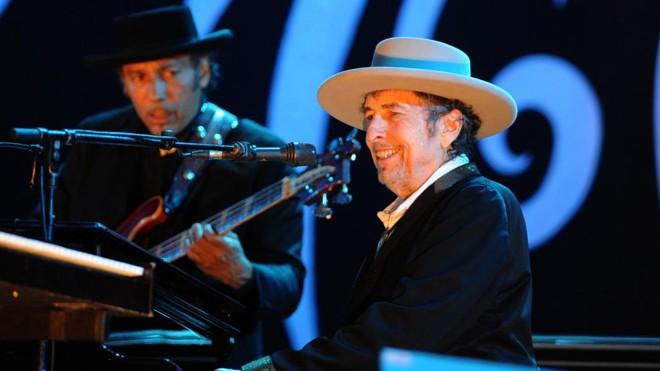 Bob Dylan: músicas modernas estão tão institucionalizadas que você nem percebe. | Fred Tanneau/AFP