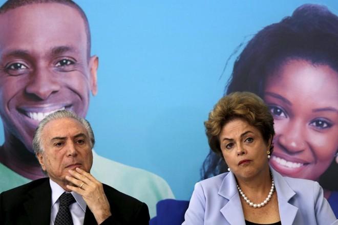 Temer e Dilma: ação pode levar à cassação da chapa.   Ueslei Marcelino /Reuters