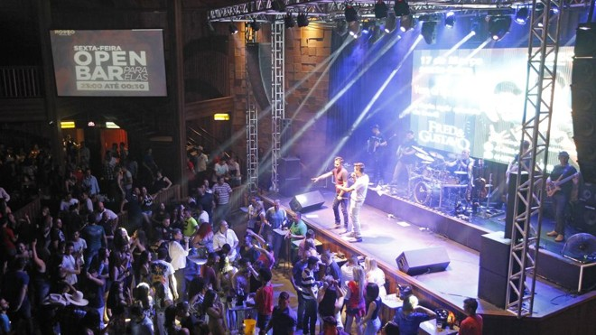 Rodeo Country Bar, onde duplas sertanejas se apresentam nos fins de semana | Antônio More/Gazeta do Povo