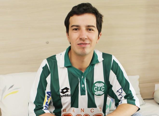 Anderson Moura, vítima da selvageria de 2009, reclama do descaso do Coritiba com ele. | Antônio More/Gazeta do Povo