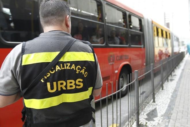 Por volta das 8 horas desta sexta-feira, apenas 23% da frota circulava na cidade segundo a Urbs | Jhonatan Campos/Gazeta do Povo