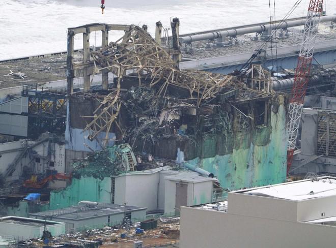 Reator número 3 da planta de energia nuclear Fukushima Daiichi ficou destruído com o desastre que liberou alta radiação por toda a  área. | Kyodo/Reuters