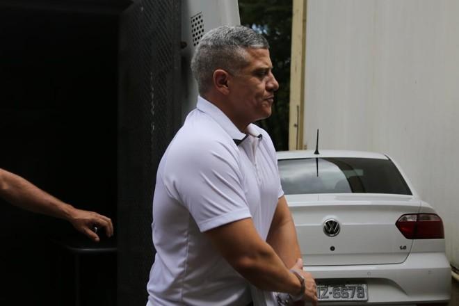 Luiz Antônio de Souza, no momento de sua prisão | Roberto Custodio/Gazeta do Povo
