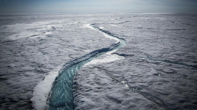 Rio se forma a partir de derretimento de geleira no Ártico: o gelo da região caiu recentemente para os níveis mais baixos da história | Josh Haner/NYT
