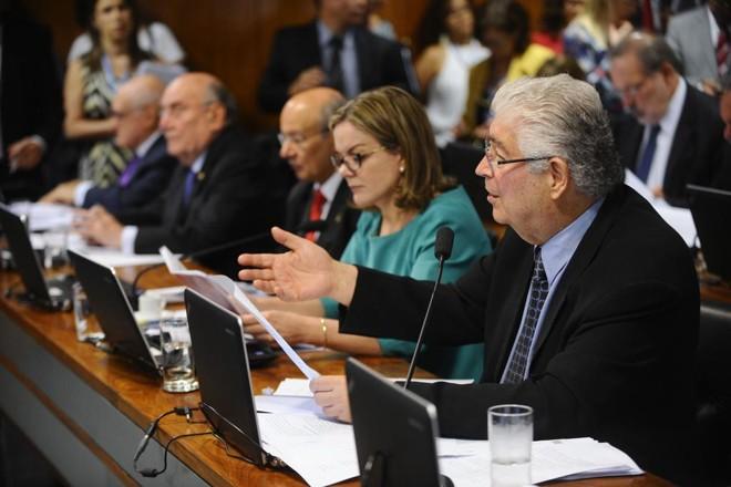 Votação do projeto de abuso de autoridade do senador Roberto Requião na CCJ do Senado foi adiada para a quarta-feira (26). | Marcos Oliveira/Agência Senado