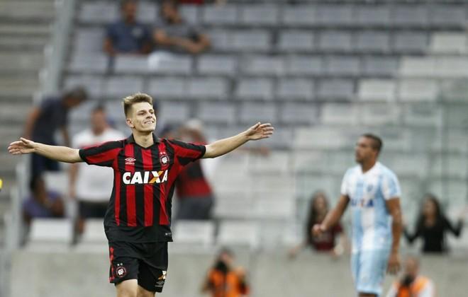 João Pedro marcou o segundo gol do Furacão na Baixada.   Jonathan Campos/Gazeta do Povo