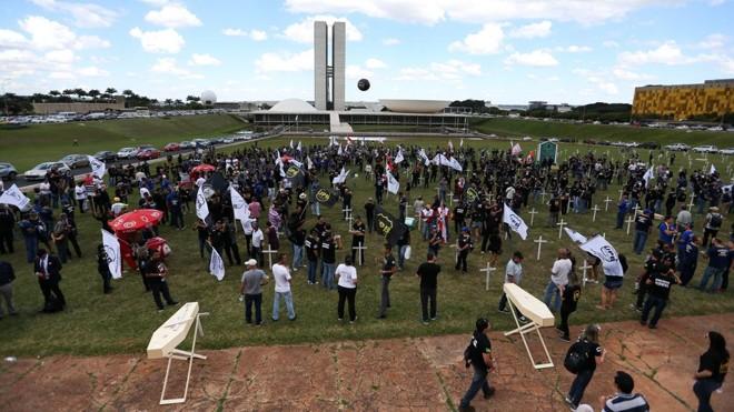 Sob pressões de corporações, a reforma da Previdência encolheu tanto que o país terá de voltar ao tema nos próximos anos. | Marcelo Camargo/Agência Brasil