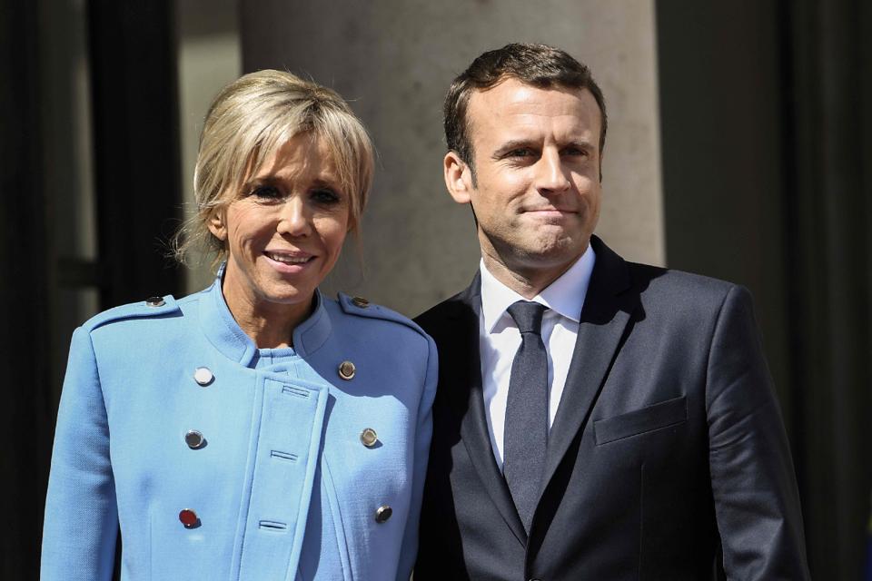 Brigitte Macron E Atacada Por Ser Mais Velha Que O Marido