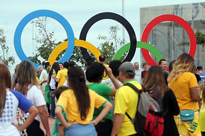 Torcedores no Parque Olímpico: grupo inspirada no Estado Islâmico planejava  atentato durante os Jogos. | Albari Rosa/Gazeta do Povo