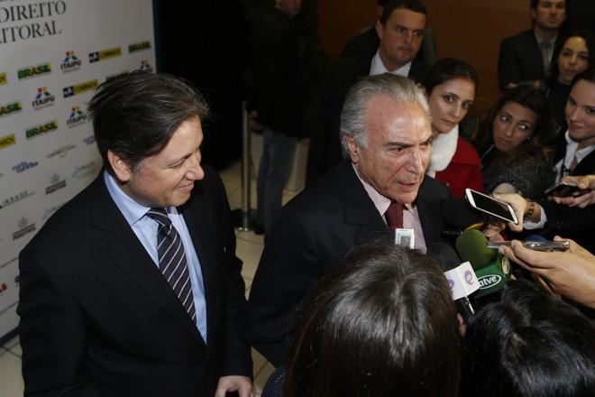 Rocha Loures ao lado de Temer: paranaense era braço direito do presidente. | Henry Milleo/Gazeta do Povo
