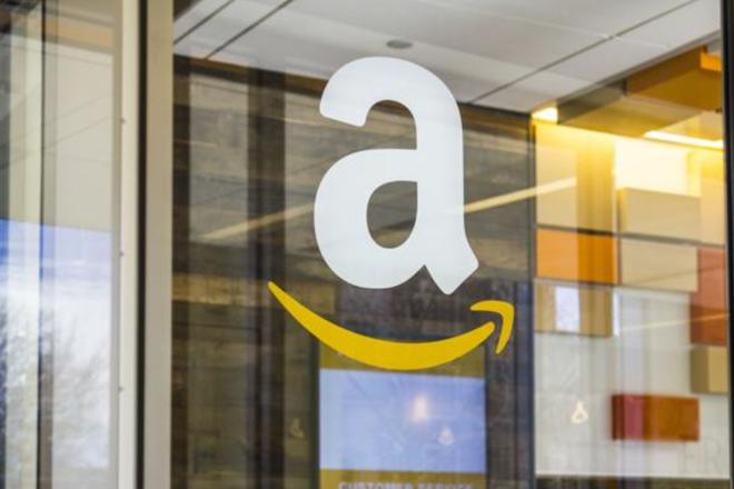 Nos Estados Unidos, além de vender de tudo on-line, a Amazon possui lojas físicas. | Bigstock