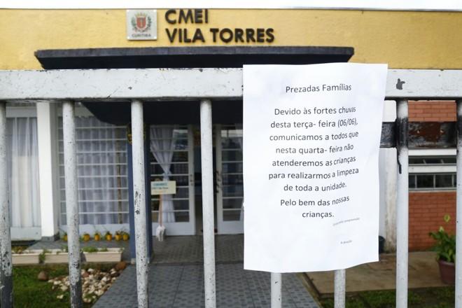 CMEI fiou fechado por causa de estragos provocados pelas chuvas | Aniele Nascimento/Gazeta do Povo