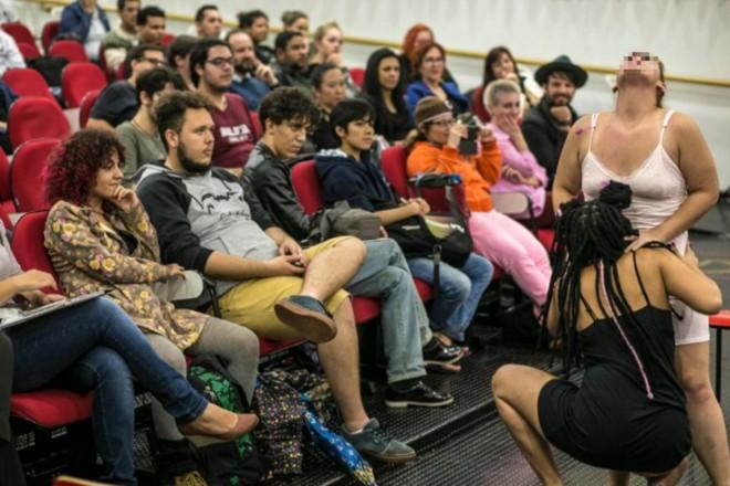 Performance em seminário da UEM: repercussão negativa nas redes sociais | Reprodução / UEM