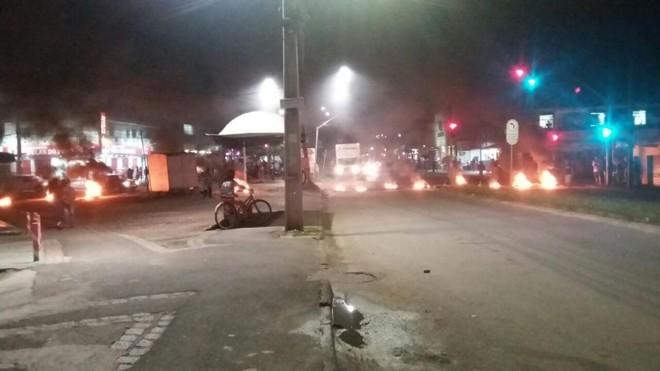 Acesso ao Contorno Sul é bloqueado no CIC | Mara Rúbia de Oliveira/Leitora