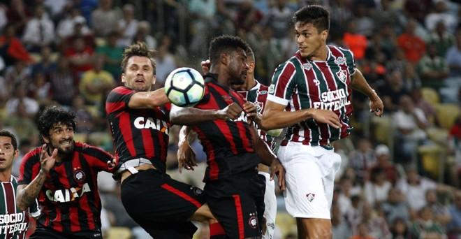Fluminense apostou no jogo aéreo diante do Atlético. | Nelson Perez/Fluminense FC