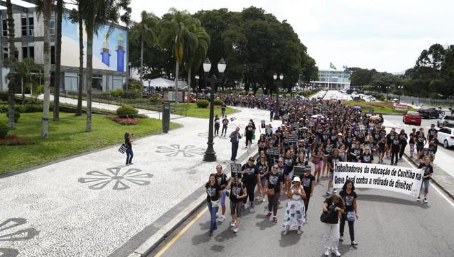 Categoria já havia feito greve geral em abril | Henry Milleo/Gazeta do Povo/Arquivo